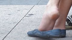 Amazing candid shoeplay