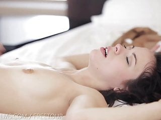 Download video bokep Nubile Films - Start your day with a hot facial Mp4 terbaru