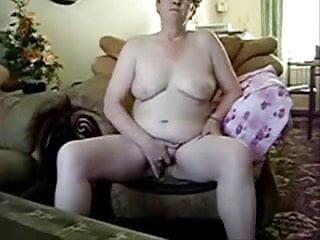Mature lady totally naked masturbating
