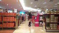sexy slut  shopping in milano