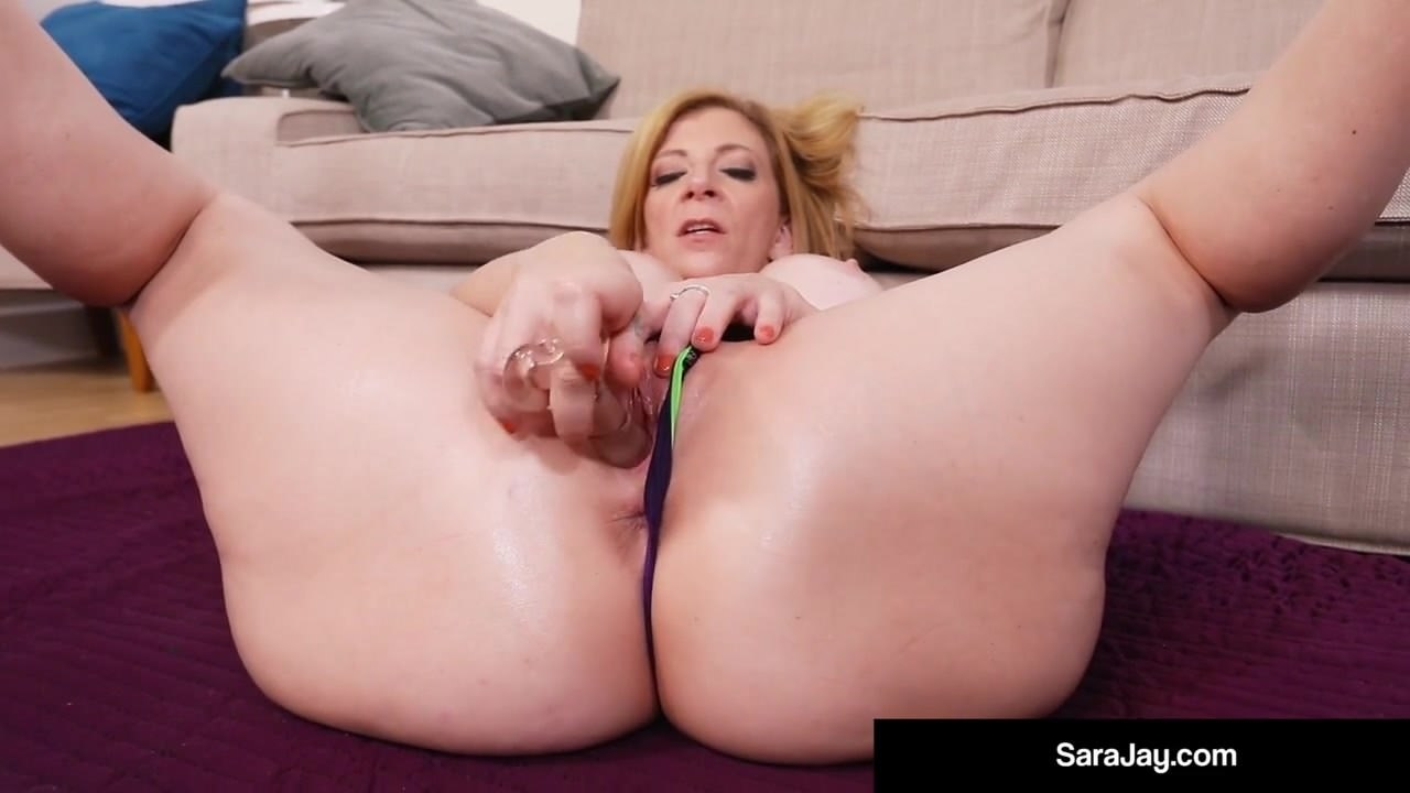squirt-sarah-jay-my-aunt-doing-yoga-naked