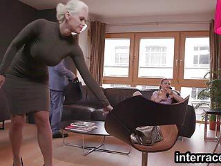 Nena usa culo concha con padrastro para vengarse de mami