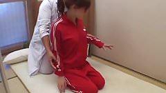 Chiropractor on Women Volleyball Player