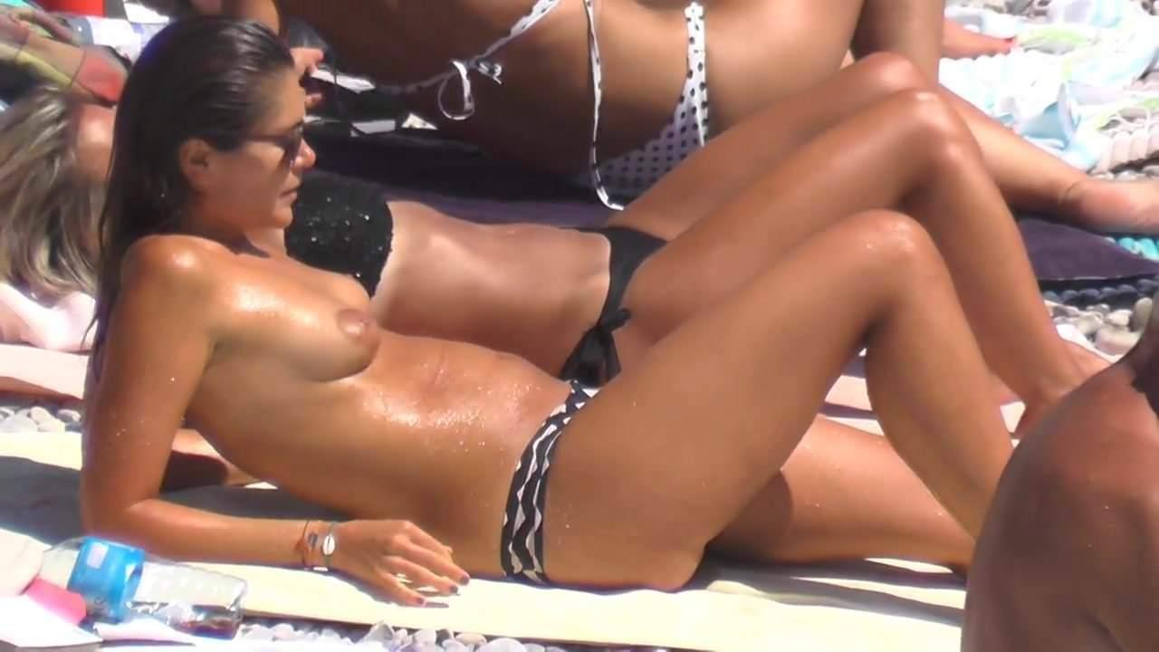hot naked brunette videos