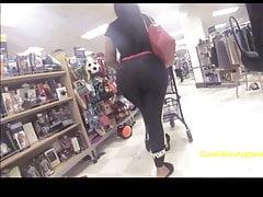 Huge Candid Latina Booty in Gray Leggings