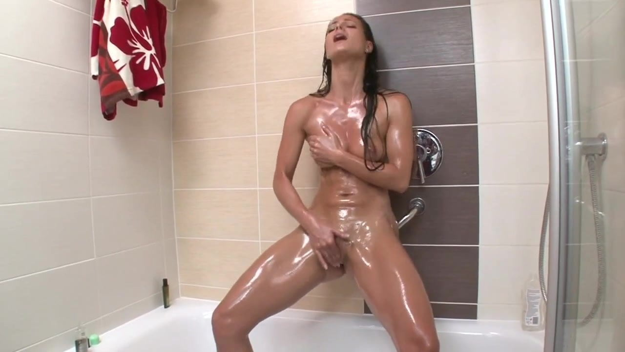 Masturbating girls in shower, dump blonde xxx comics