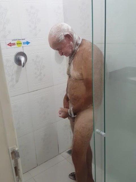 room shower Gay