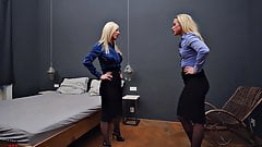 Lesbians Bed Scissoring Catfight Pantyhose Sex Fight Femdom