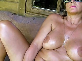 Pissing Lady