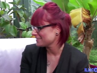 Carole sexy milf ass fucked in threesome
