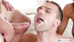 Bisexual jock sucks and licks before facial