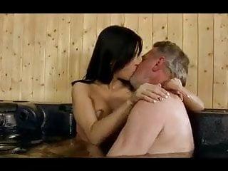 Razz- nono e nipote alla spa