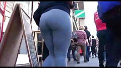 Round Ass Booty in Leggings