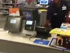 Big booty twerking at walmart