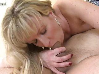 Posh mature mother fucks like a slut in hotel