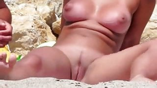Trimmed pussy busty nudist girl