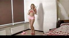 Lizza Strips in Bedroom BVR
