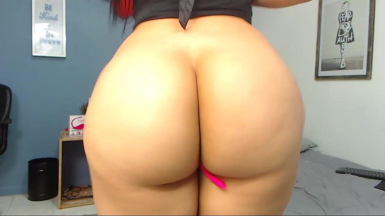 Big Ass Latina Clapping