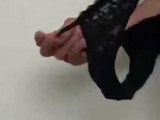 amigo mostrando calcinhas da esposa VI