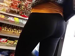 Very hot ass in black leggings HD