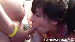 Amateur cocksucker stretched by hard cumming group