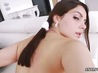 Valentina Nappi gets her big ass fucked hard