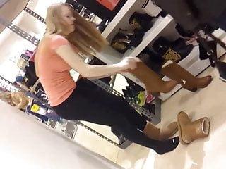 Download video bokep Sexy Teen Shopper Mp4 terbaru