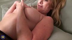 Beautiful mom feeding her wet pussy