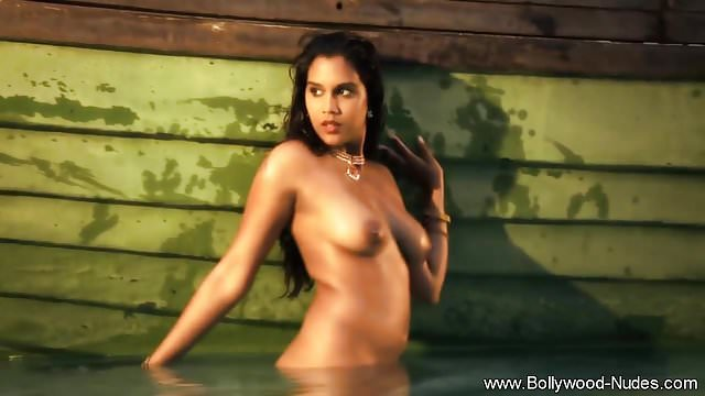 Preview 1 of Bollywood Hottie Exotic Dancer