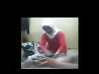 Download video bokep indonesia- jilbab hijab urut penis Mp4 terbaru