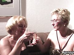 GanzGeil.com Sexy german grannies plays with their pussies
