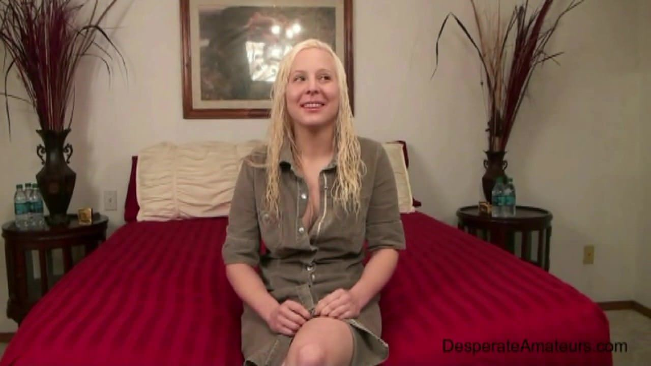 Cindy dollar sucking dick