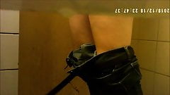 Spycam aux toilettes 22