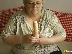 OmaPasS Busty Granny Amateur Toysex Compilation's Thumb