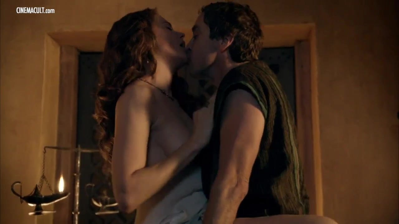 nakne lesbiske kyss