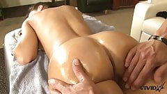 Stunning Milf Lisa Ann has a taste for Latin meat