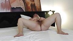 Mature Chubby (Masturbation)