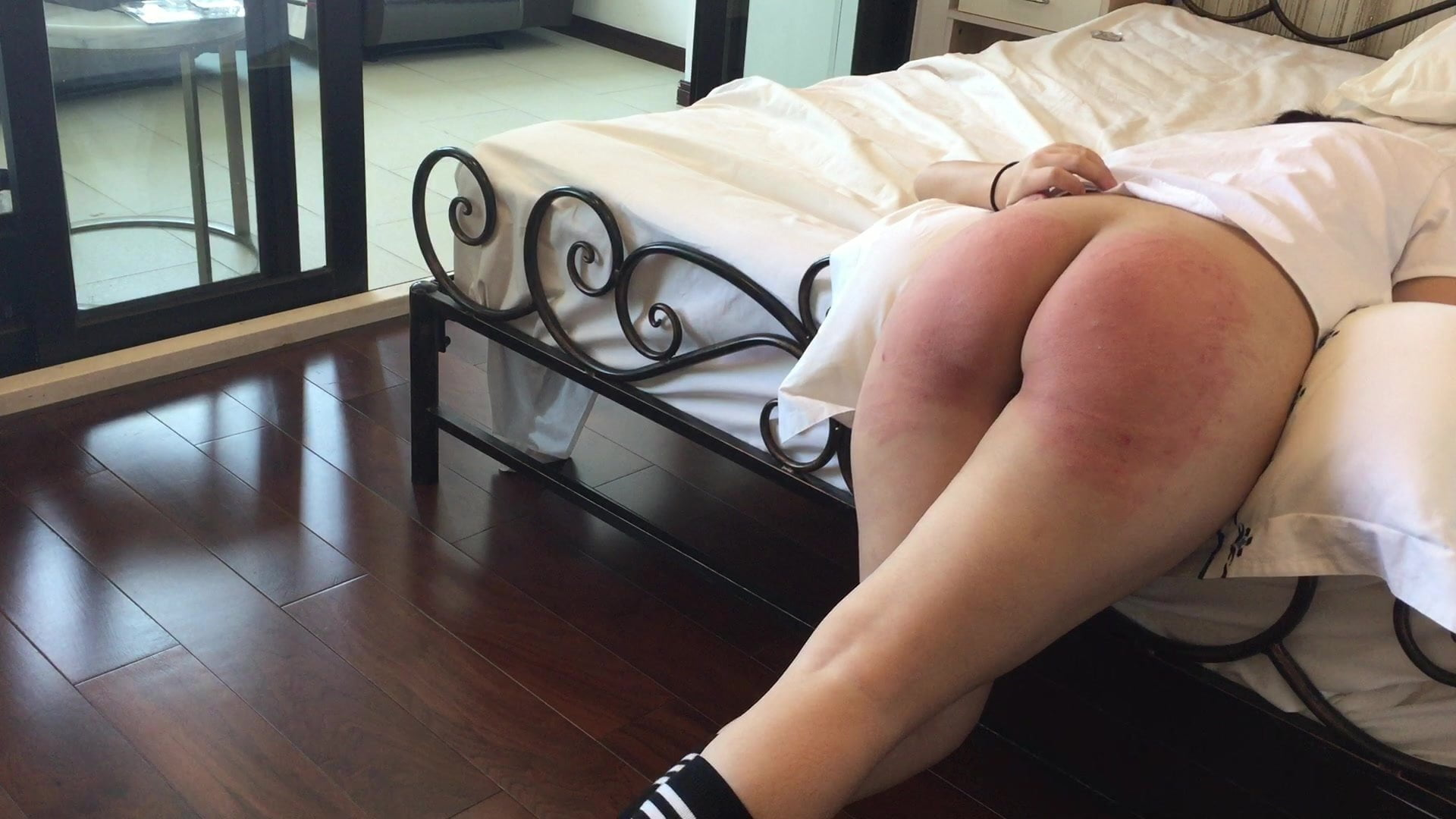Asian giel will get a tough home punishment
