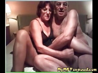 Older amateur couple home video - My Granny Exposed