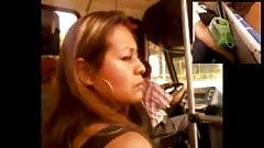 METIENDO DEDOS VECINA CASADA BUS 2