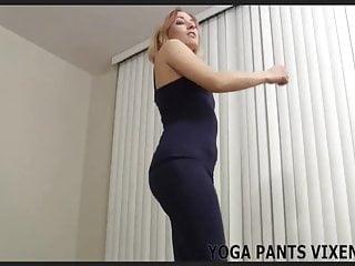Tight yoga pants make my ass look so fuckin hot JOI