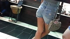 Candid booty aisan