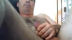 Sexy aussie bear edging using his plug