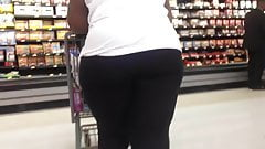 Sweaty Booty BBW Candid Quickie