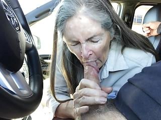 Download video bokep Grandma sucks in the car Mp4 terbaru