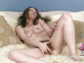 Cara Banx Lays Back To Masturbate To Orgasm In Bed