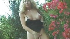Kinky Mature MILF Kelly Hot Slut
