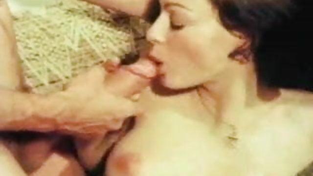 Gif fuckmachine squirting orgasm