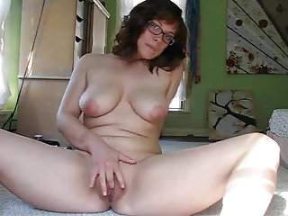 My secretary masturbates for the first time in cam