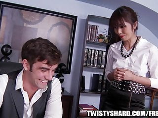 Download video bokep Marcia Haze is the new intern hired to help in the office Mp4 terbaru